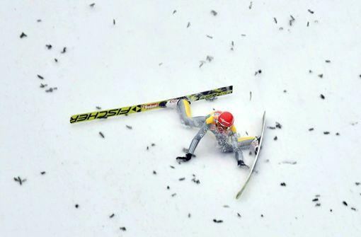 Skispringer Richard Freitag steigt nach Sturz aus