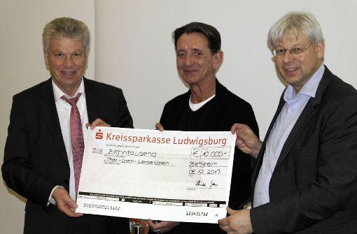 Auktionshaus spendet 10000 Euro