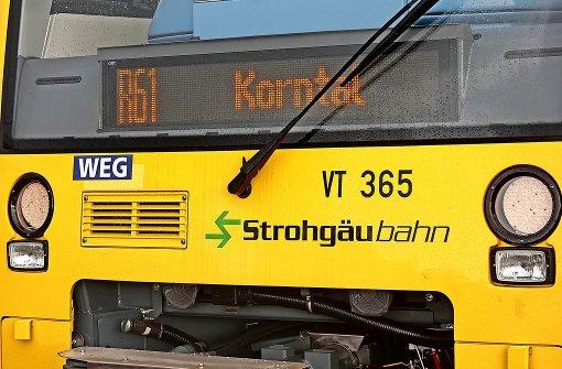 Radfahrer überhört Strohgäubahn