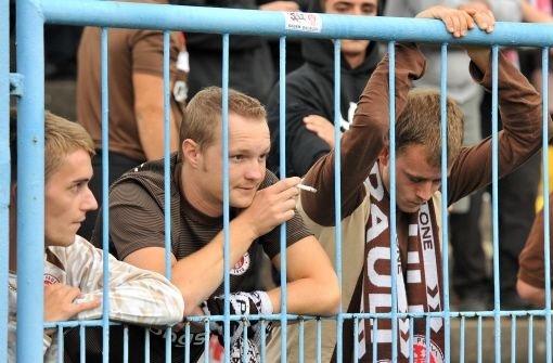 bFC St. Pauli:/b Hier sitzt man mit 40 Euro am zweitgünstigsten. Das billigste Ticket kostet 25 Euro. Foto: dpa