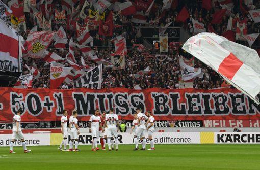 Die VfB-Fans positionieren sich klar für den Erhalt der 50+1-Regel. Foto: dpa