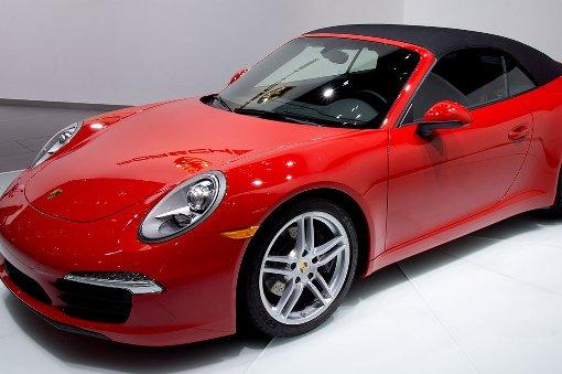 Porsche 911 überschlägt sich