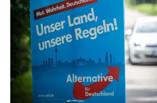 Wahlhelfer der AfD sind im Stuttgarter Süden beim Plakateaufhängen angegangen worden. Foto: Lichtgut/Achim Zweygarth