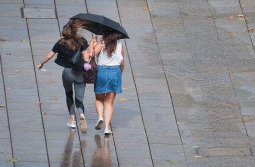 Im Verlauf des Freitags soll der Regen beginnen. Foto: dpa