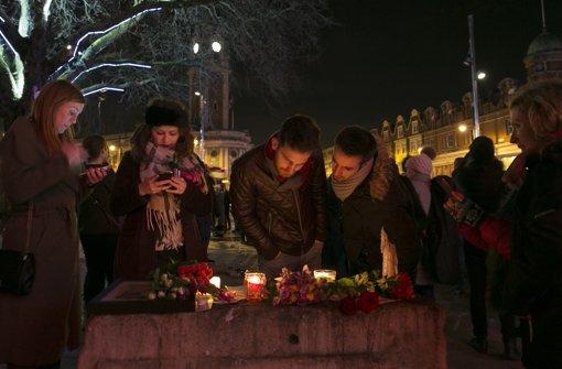 Vor dem Ritzy-Kino im Londonder Stadtteil Brixton gedachten Fans des verstorbenen Musikers. Foto: Getty Images Europe