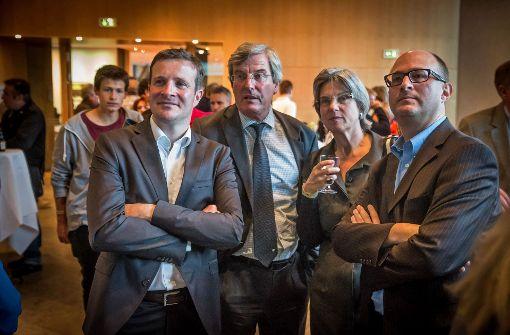 Alter und neuer Vorsitzender der Regional-SPD: Thomas Leipnitz (rechts). Auf dem Bild zusammen mit Martin Körner, SPD-Fraktionschef im Rathaus, sowie Regionalpräsident Thomas Bopp mit Frau (Mitte). Foto: Achim Zweygarth