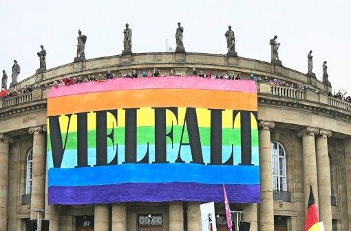 Die Oper zeigte bei der Frage um die Homo-Ehe Flagge Foto: Lichtgut/Horst Rudel