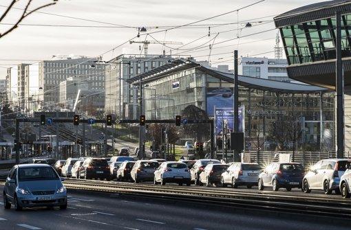 Täglich wälzen sich die Blechkolonnen durch Stuttgart Foto: Lichtgut/Max Kovalenko