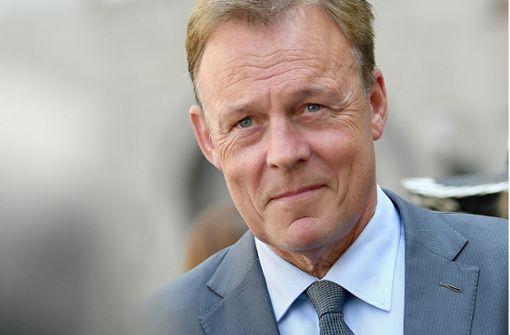 Thomas Oppermann fordert Rücktritt als Innenminister