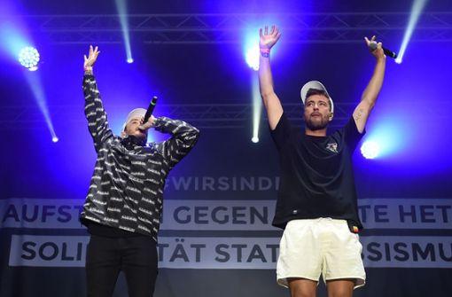 Die Rapper Casper (l.) und Marteria gaben bei ihrem Auftritt in Chemnitz alles. Foto: dpa