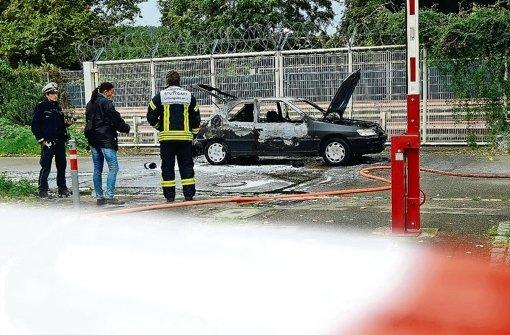 Die Reste des ausgebrannten Peugeot Florian H.s auf dem Cannstatter Wasen. Der Tod des Rechtsextremisten beschäftigt in den kommenden Wochen die Landtagsabgeordneten Foto: 7aktuell.de/Eyb