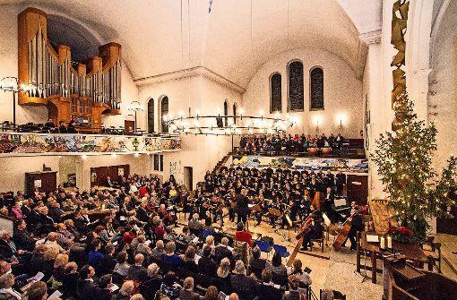 In der Pauluskirche Zuffenhausen findet am 2. Weihnachtsfeiertag traditionell ein großes Weihnachtskonzert statt. Foto: Ulrich Behrend (z)