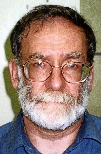 """Harold Shipman (1946-2004): Der  britische  Serienmörder  – """"Dr. Death""""  – war Arzt in Manchester und tötete  zwischen 1970 und 1998 mindestens 218 Patienten.  Zu 15-facher lebenslanger Haft verurteilt. Foto: dpa"""