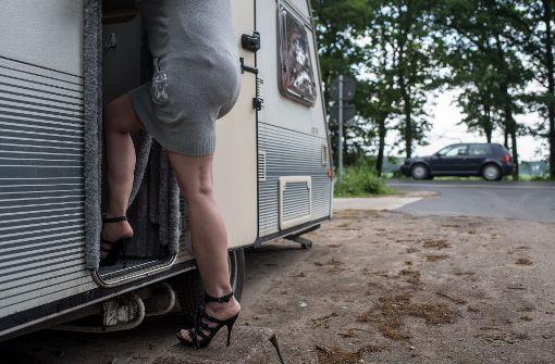 Prostituierte arbeiten oft unter unwürdigen Bedingungen – das neue Gesetz soll diese Zustände eindämmen. Foto: dpa