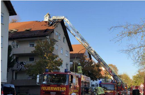 Feuer in Dachgeschosswohnung – Zwei Bewohner werden gerettet