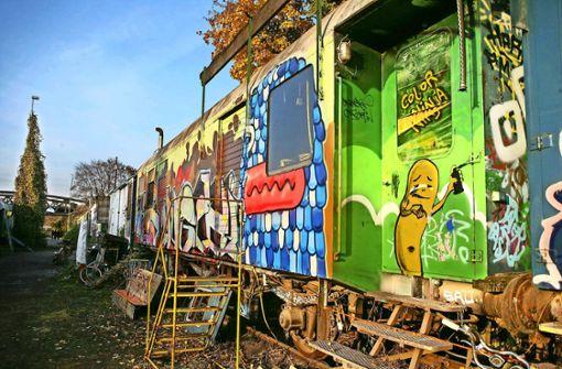 Beim IBA-Festival geht es um temporäre Bauten – wie hier die Eisenbahnwaggons der Künstler am Nordbahnhof im Jahr 2011. Foto: Achim Zweygarth