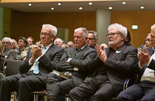 Grüne Parteifreunde beim Neujahrsempfang im Stuttgarter Rathaus: Ministerpräsident Kretschmann, OB Kuhn und Staatssekretär Murawski (v. li.) Foto: Lichgut Christian Hass