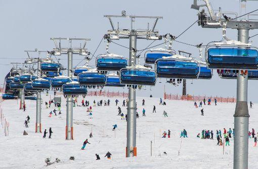 Bergwacht muss mehrere Wintersportler retten