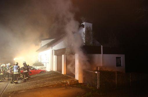 Autos bei Brand in Tiefgarage zerstört