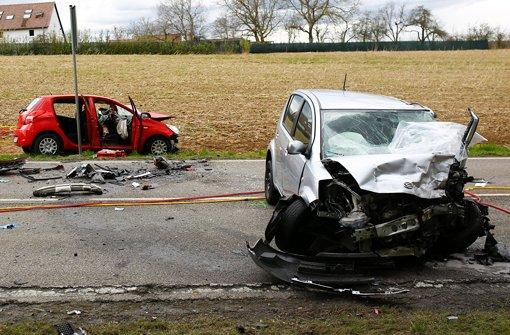 Zwischen Mundelsheim und Großbottwar hat sich ein schwerer Unfall ereignet. Foto: 7aktuell/Karsten Schmalz