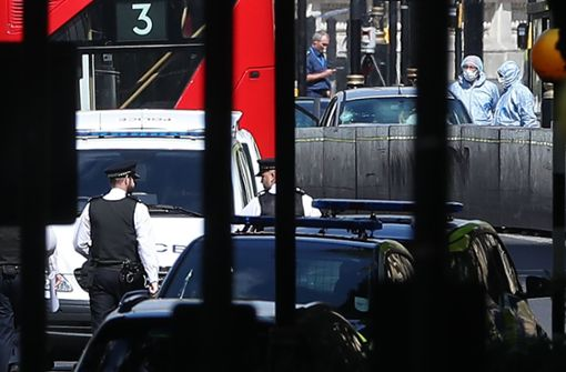 Nach dem mutmaßlichen Anschlag in London ermittelt die Polizei. Foto: AFP