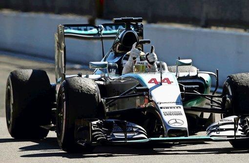 Mercedes unter Reifen-Druck