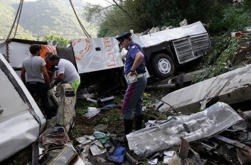 Dutzende Tote bei Busunglück in Italien