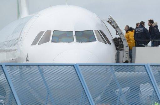 63 Menschen nach Albanien ausgeflogen