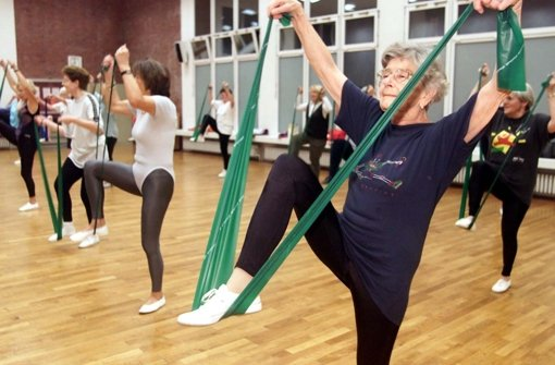 Sport im Alter hält fit – Deshalb soll es in Vaihingen bald mehr Angebote für Menschen ab 50 Jahren geben. Foto: dpa