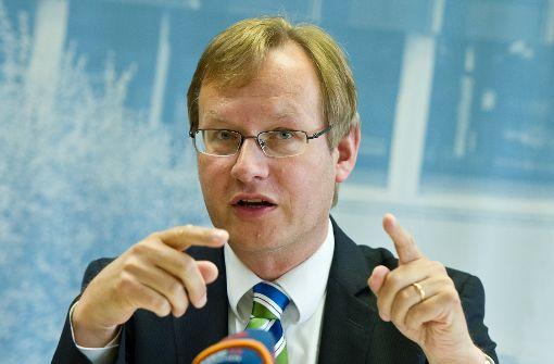 Ex-Regierungspräsident Schmalzl wird neuer IHK-Chef