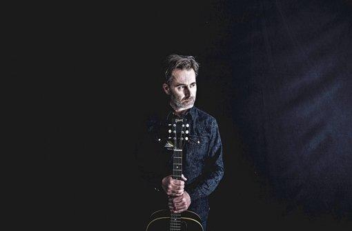 Loslassen lernen: Dirk Darmstaedter, früher bei den Jeremy Days, dann Boss von Tapete Records, konzentriert sich wieder aufs Musikmachen Foto: promo