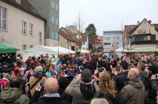 Auch Stammheimer Grundschüler sangen zur Eröffnung. Foto: Torsten Ströbele