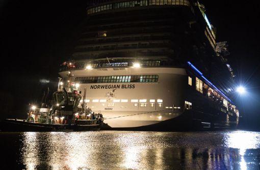 Die Norwegian Bliss ist unterwegs nach Eemshaven in den Niederlanden. Foto: dpa