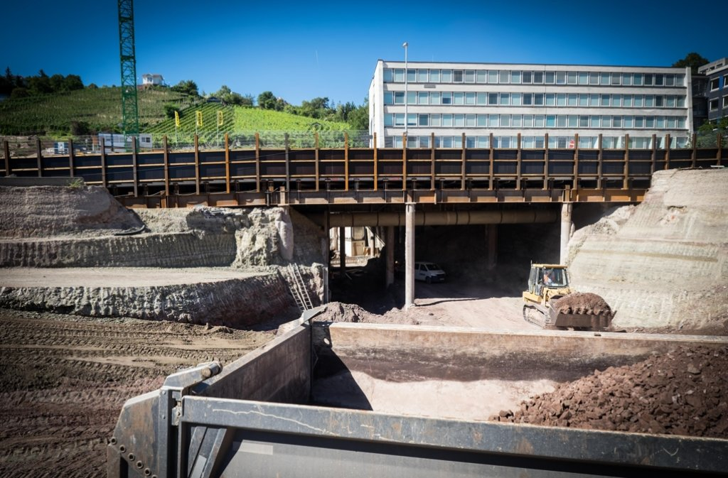 Pfahlbau Mitten In Stuttgart Die Ehemalige Bahndirektion Wird