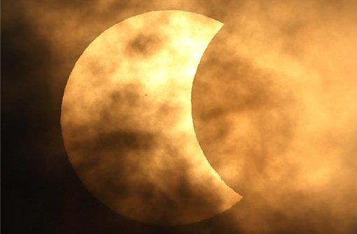 Sonnenfinsternis begeistert Menschen in Asien
