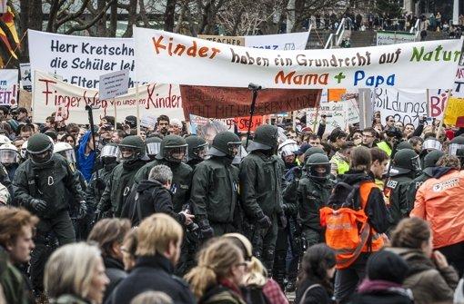 Demo vor einem Jahr in Stuttgart: Der Streit um den Aktionsplan für sexuelle Vielfalt flammt wieder auf Foto: Lichtgut/Leif Piechowski