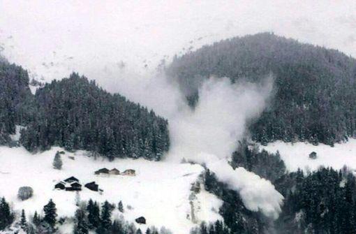 Lawine reißt drei Skifahrer in den Tod