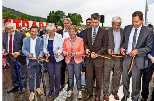 Gingener feiern  neue Straße