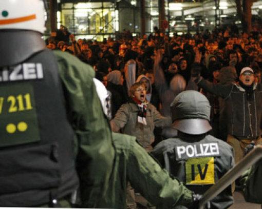 Fanproteste und ratloser Babbel
