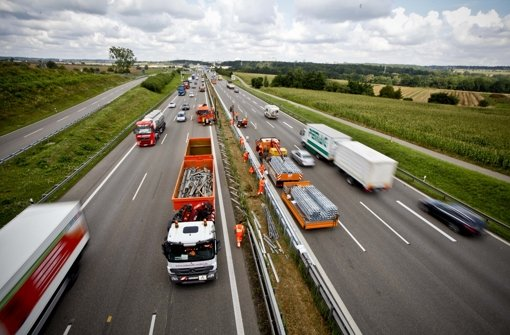 Die Autobahn8  soll vom Neckartal aus besser erreichbar sein – deswegen wird seit Jahrzehnten über eine neue Filderauffahrt nachgedacht. Foto: Peter Petsch