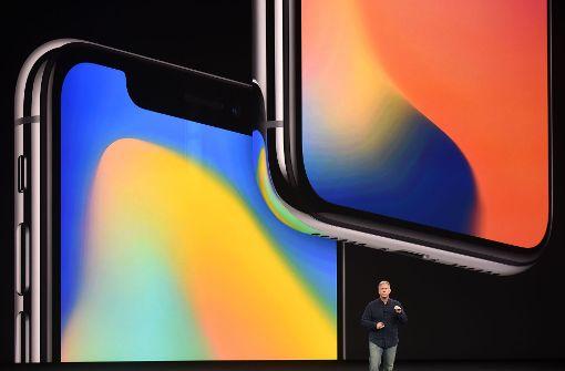 Apple hat das iPhone X vorgestellt. Das Flaggschiff des US-Konzerns hat einiges zu bieten, ist allerdings auch sehr teuer – in manchen Region mehr, in anderen weniger. Hier gibt es einen Überblick. Foto: AFP