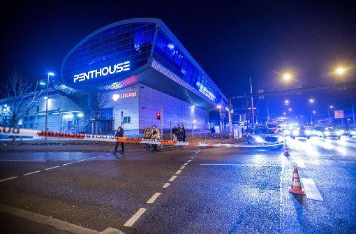 Das Penthouse wurde von der Polizei weiträumig abgesperrt. Foto: 7aktuell.de/Simon Adomat