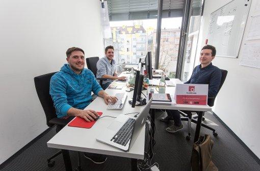 Die drei Männer sind Teil des Stuttgarter Accelerate-Programm, das junge Gründer unterstützt. Foto: 7aktuell.de/Herlinger