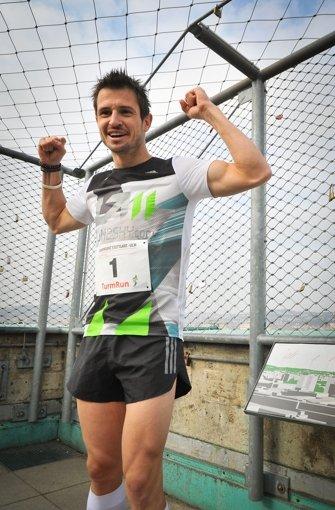 Thomas Dold feiert seinen Turm-Sprint. Foto: Lichtgut/Ferdinando Iannone