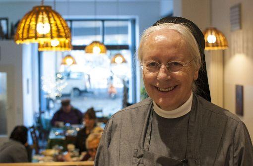 Schwester Margret öffnet den Obdachlosen und Ausgegrenzten in Stuttgart täglich ihre Tür zur Franziskusstube. Foto: Beate Pundt