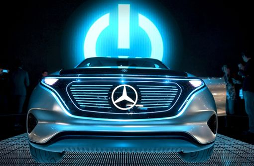 Autokonzerne stehen bei E-Autos unter Strom