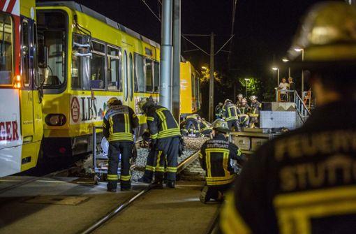 Oldtimer-Stadtbahn entgleist