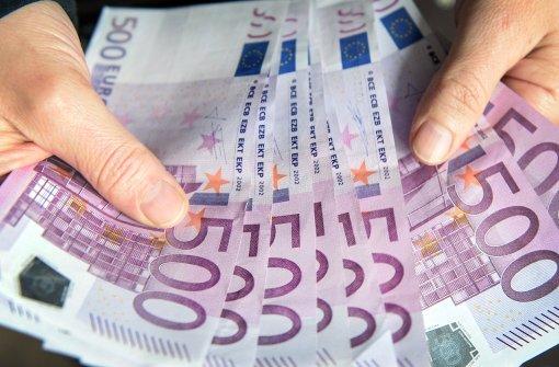 Aus für den 500-Euro-Schein: Steht uns in ferner Zukunft ein bargeldloses Leben bevor? Foto: dpa