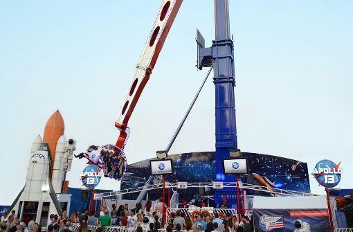 ... die Fahrgäste in eine Höhe von 55 Metern. Foto:  in.Stuttgart