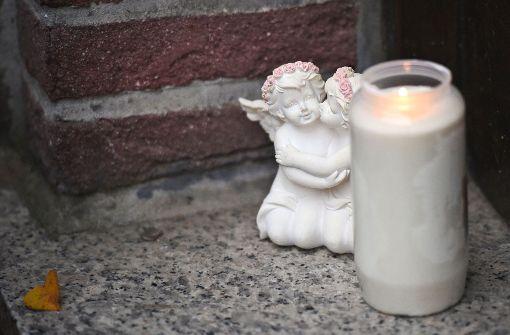 Kleiner Luca grausam zu Tode misshandelt - Stiefvater muss lebenslang ins Gefängnis